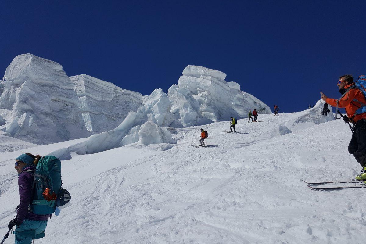 Descente sur le glacier au dessus de Zermatt