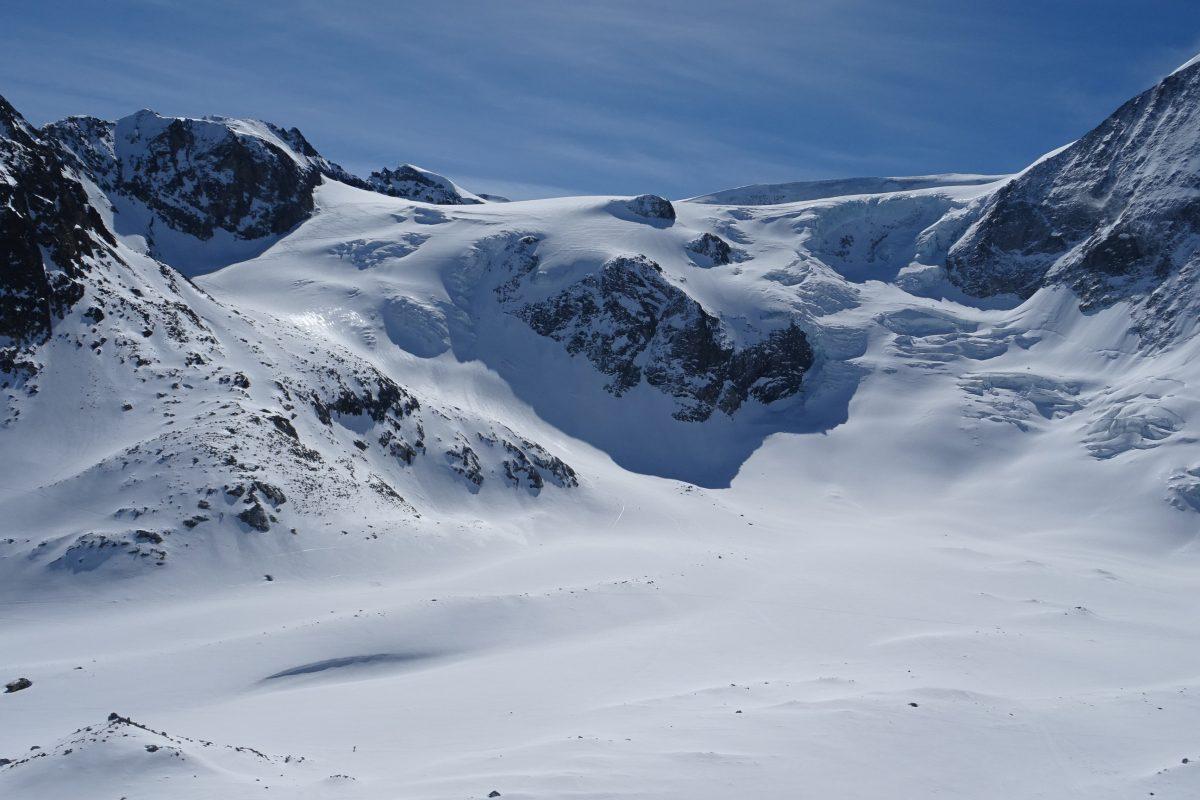 Glacier Tsena Refien